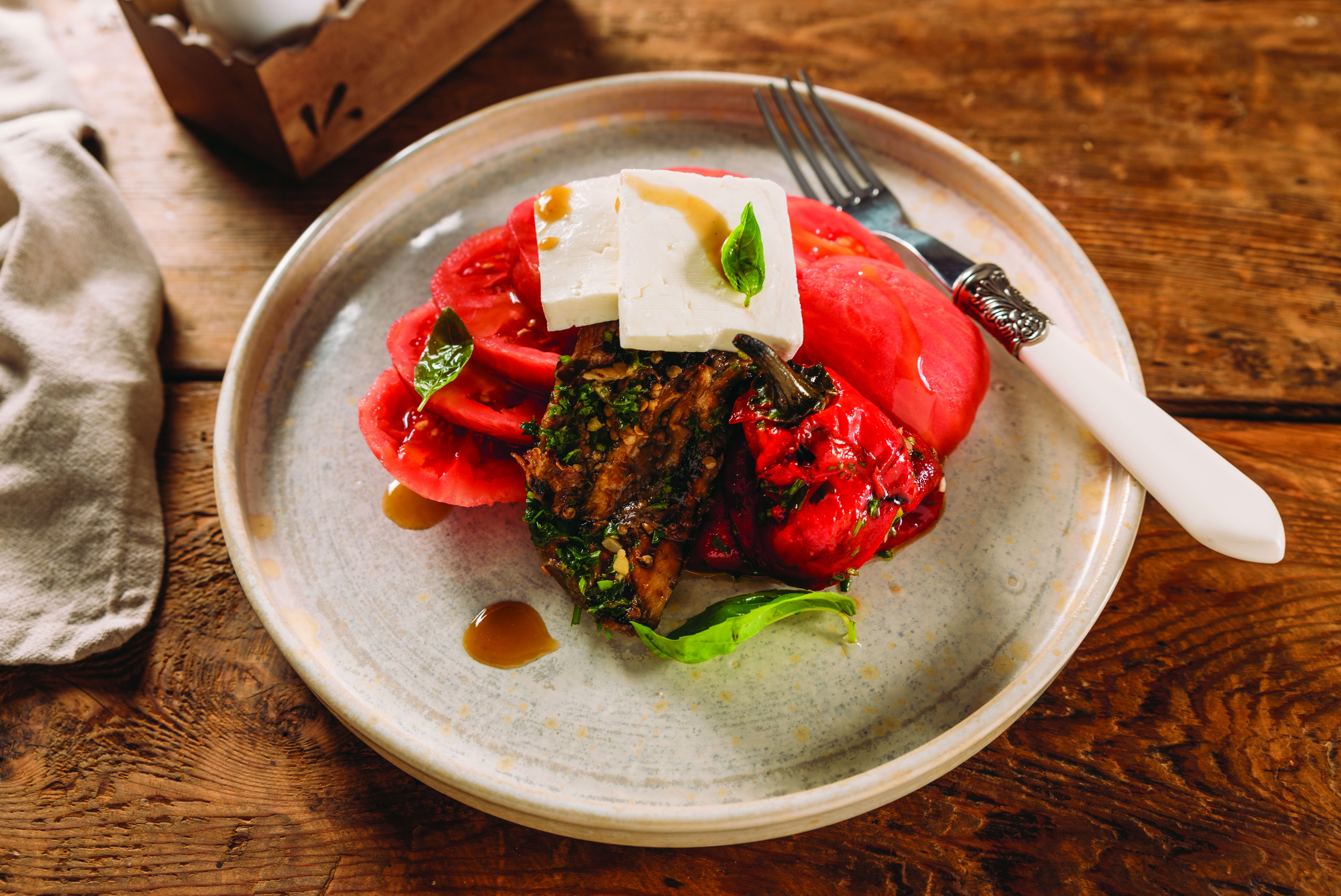 белени сезонни домати
